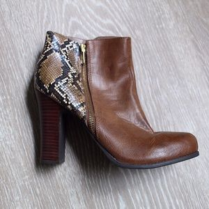 Kenneth Cole Reaction Shoes - Snake Skin Ankle Boots